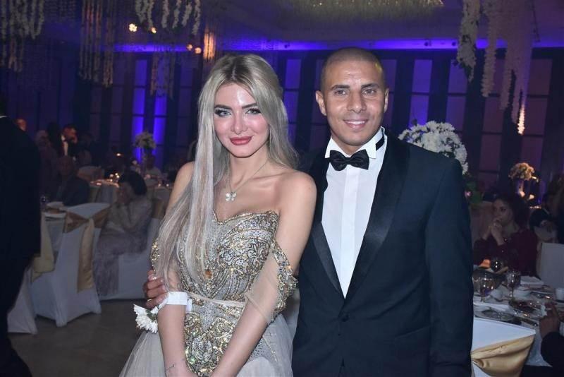 زيدان وزوجته ميناس
